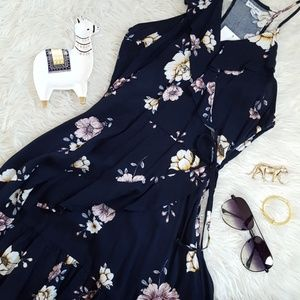 Love tree floral wrap dress size small